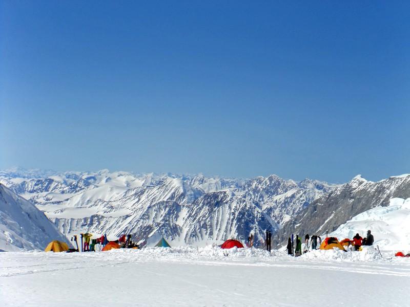 Mount Logan Kings Col camp