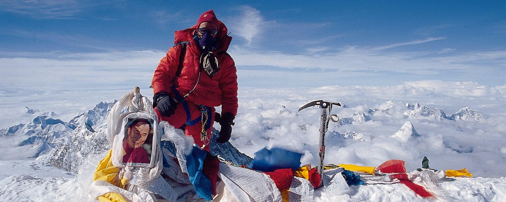 Jangbu on Everest summit